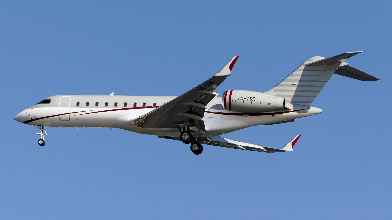 Foto de archivo. Las investigaciones indican que este TC-TSR es el jet privado en el que Ghosn llegó a Líbano desde Turquía.