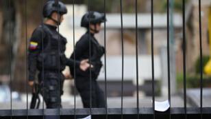 عناصر في الشرطة الفنزويلية بالعاصمة كراكاس، 27 يناير/كانون الثاني 2019.