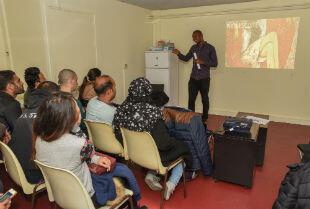 La première formation destinée aux personnes réfugiées a été donnée le 16 octobre.