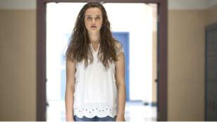Hannah Baker, l'héroïne de la série qui raconte, post-mortem, tous les déboires qu'elle a connus.