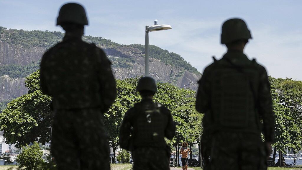 Fuerzas Armadas patrullan las calles en Río de Janeiro (Brasil).