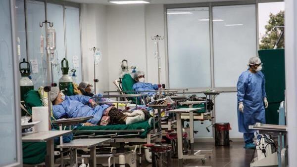 Fotografía fechada el 15 de mayo de 2020 que muestra una zonas habilitadas para tratamiento de pacientes, en la Villa Panamericana, habilitada para alojar a casos positivos de coronavirus, en Lima (Perú).