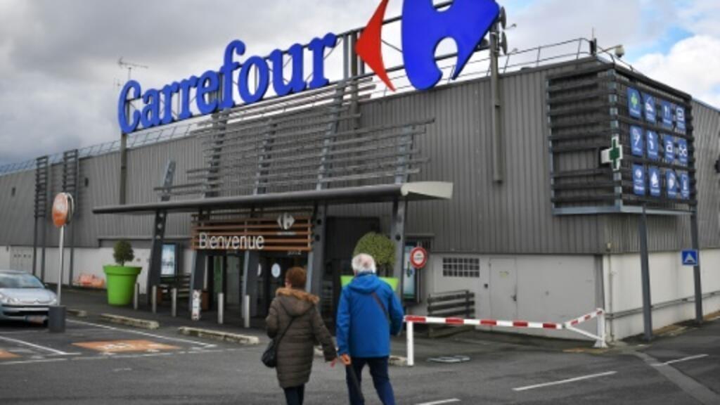 Carrefour raises cost savings target despite further losses