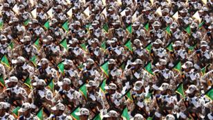 Tropas de la Guardia Revolucionaria Iraní marchan durante el desfile militar anual que marca el aniversario de la guerra de Irán contra Irak (1980-88) en Teherán, el 22 de septiembre de 2014.