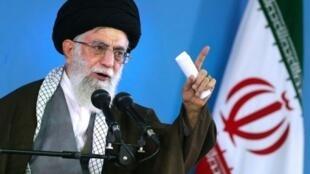 المرشد الأعلى للجمهورية الإسلامية الإيرانية آية الله علي خامنئي في 6 مايو 2015