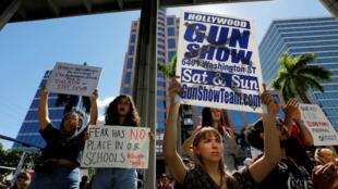 Los manifestantes en una marcha por la acción contra la violencia con armas en el Condado de Broward, Florida, Estados Unidos, piden mayores restricciones, el 17 de febrero de 2018.