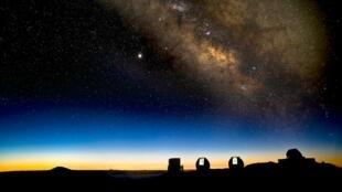 La Voie lactée depuis un site d'observation à Hawaï.