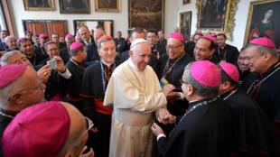 El papa Francisco se reunió con los obispos en Bogotá.