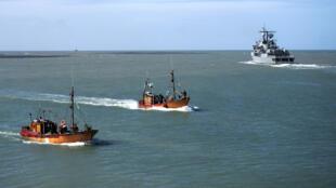 البحرية الأرجنتينية تعلن وقف مهمة إنقاذ أفراد طاقم غواصة مكون من 44 شخصا كانت قد اختفت قبل 15 يوما