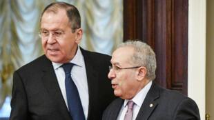 Le chef de la diplomatie russe, Sergueï Lavrov, et son homologue algérien, Ramtane Lamamra, le 19 mars à Moscou.