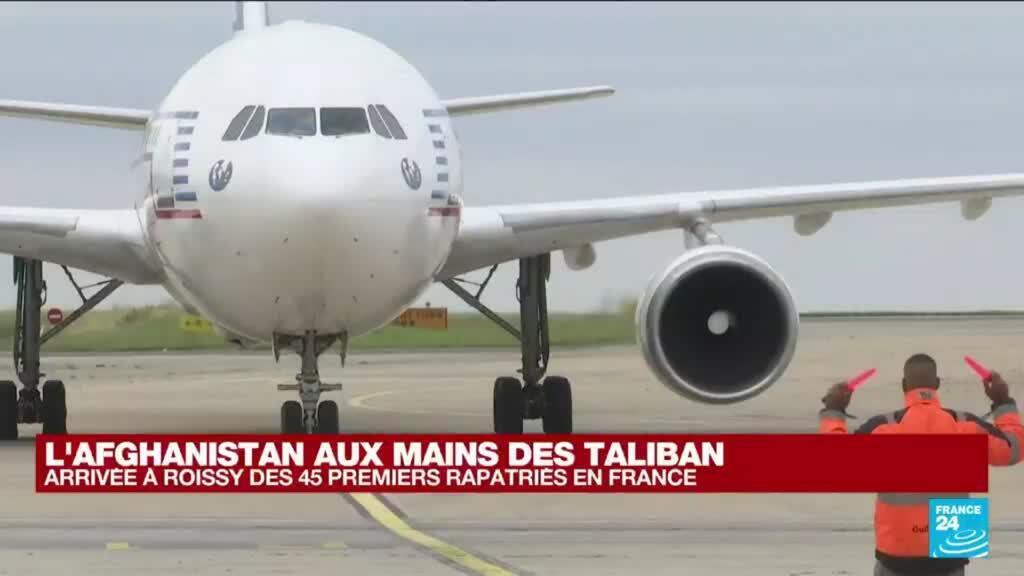 2021-08-17 17:35 Arrivée à Roissy des 45 premiers rapatriés de Kaboul en France
