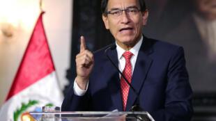 Le président Martin Vizcarra s'adresse à la nation à la télévision, à Lima, le 10 septembre 2020, au milieu d'une crise politique.