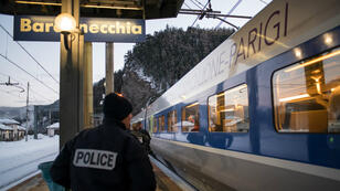 Des policiers français à la gare de Bardonecchia, en janvier 2018.