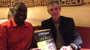 """Rahmane Idrissa et Jean-Joseph Boillot, les deux auteurs de """"L'Afrique pour les nuls""""."""