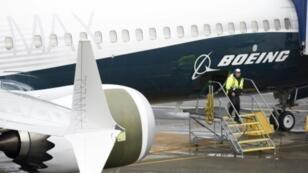 طائرة بوينغ 737 ماكس 9 قرب مصنع بوينغ في رنتون في واشنطن في 12 مارس/آذار 2019.