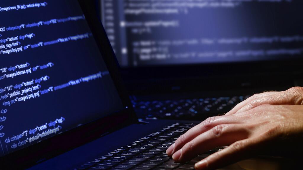 Des organisations de défense des droits humains, des médias, l'Union européenne et des gouvernements s'indignaient lundi des révélations sur l'espionnage à l'échelle mondiale de militants et de journalistes au moyen du logiciel Pegasus, conçu par l'entreprise israélienne NSO Group.