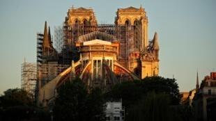 La cathédrale de Paris le 14 avril 2020