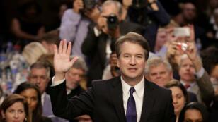 El juez Brett Kavanaugh, nominado por el presidente Donald Trump a la Corte Suprema, prestó juramento ante el Comité Judicial del Senado durante su audiencia de confirmación ante el Tribunal Supremo en el edificio de la Oficina del Senado en Capitol Hill, Washington D. C., EE. UU., el 4 de septiembre de 2018.