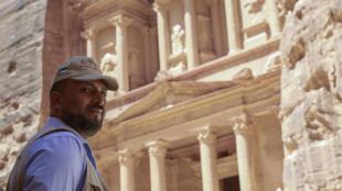 نايف هلالات (42 عاما) الحارس في موقع البتراء الثري في الأردن في 01 حزيران/يونيو 2020