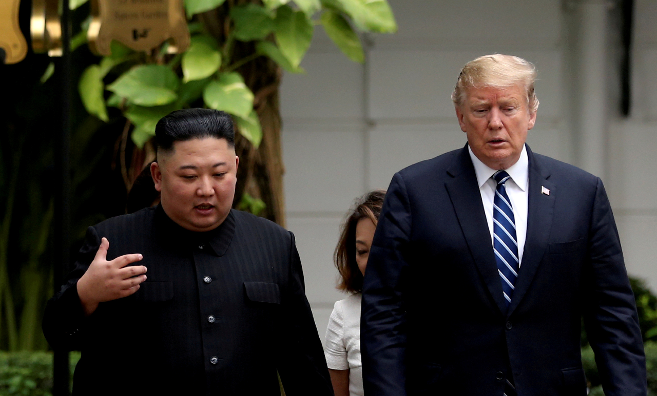 El líder de Corea del Norte, Kim oOng-Un, junto al presidente de Estados Unidos, Donald Trump. Archivo.