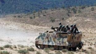 عنصران من قوات الأمن التونسية