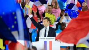 Emmanuel Macron était en meeting à La Villette, à Paris, lundi 1er mai 2017.