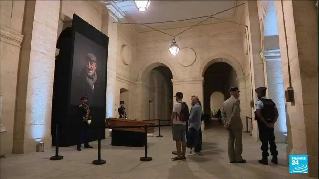 "2021-09-10 10:08 Mort de Jean-Paul Belmondo : la France a rendu hommage à ""Bébel"""