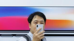 Usuarios de Apple han presentado ocho demandas en Estados Unidos.
