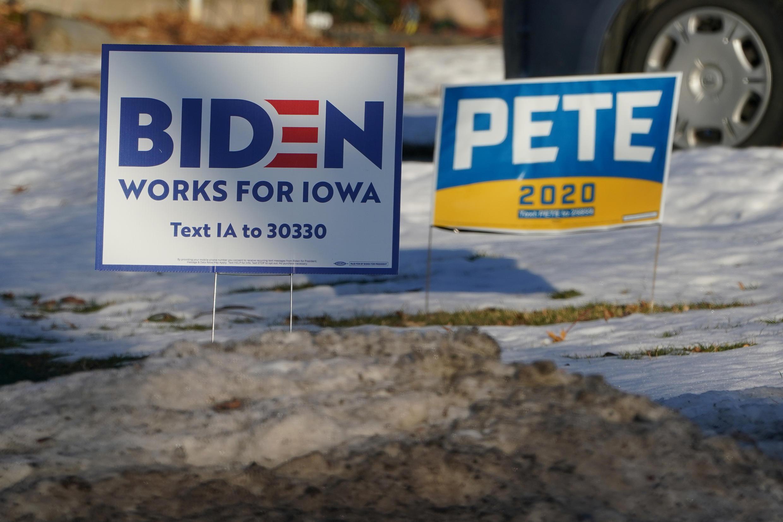 EN-Iowa-signs