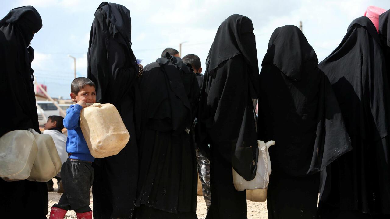 Des femmes et des enfants d'anciens jihadistes dans le camp d'al-Hol (nord-est de la Syrie), le 1er avril 2019.