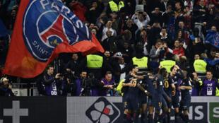 Les joueurs parisiens célèbrent leur victoire samedi 1er avril 2017 face à Monaco.