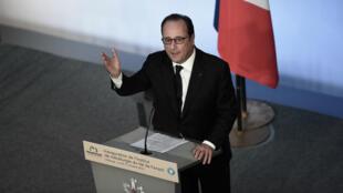 Le président de la République François Hollande, lundi 17 octobre 2016, à Florange.