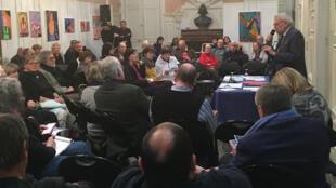 Les dépenses publiques ont été au coeur des discussions du premier débat public à Trouville-sur-mer, le 24 janvier 2019.