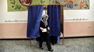 Les sièges des 1 541 conseils municipaux et des 48 conseils départementaux sont en jeu.