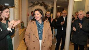Anne Hidalgo arrive à son QG de campagne à Paris, le 15 mars 2020.
