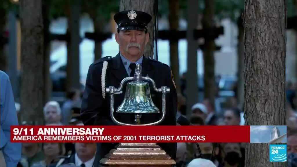 2021-09-11 15:03 Second moment of silence held at New York service for 9/11 dead • FRANCE 24 English