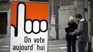 Les électeurs suisses ont de nouveau donné le plus grand nombre de voix à l'UDC, parti de droite populiste, lors des législatives du dimanche 18 octobre.