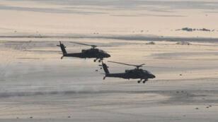Helicopteros de las fuerzas armadas de Egipto durante un ataque contra militantes. Distribuido el 9 de febrero de 2018