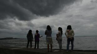 مانيلا بعد مرور الإعصار ساريكا