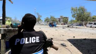 Des militants islamistes shebab ont attaqué vendredi12juillet un hôtel de la ville portuaire de Kismayo, dans le sud de la Somalie.