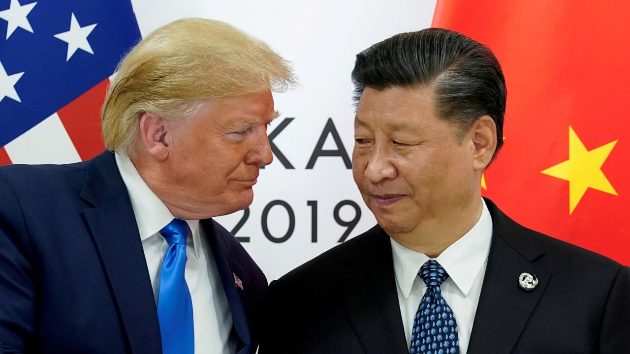 El presidente de Estados Unidos, Donald Trump, y el mandatario de China, Xi Jinping, dialogaron durante la reunión del G20 en Osaka, Japón, el 29 de junio de 2019.