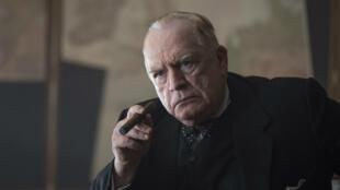 Brian Cox incarne Winston Churchill dans le biopic de Jonathan Teplitzky.