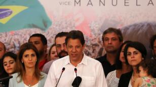 Fernando Haddad, cuando era candidato presidencial del Partido de los Trabajadores de izquierda de Brasil (PT), durante una conferencia de prensa en la segunda vuelta en las elecciones presidenciales en Sao Paulo, Brasil, el 28 de octubre de 2018.