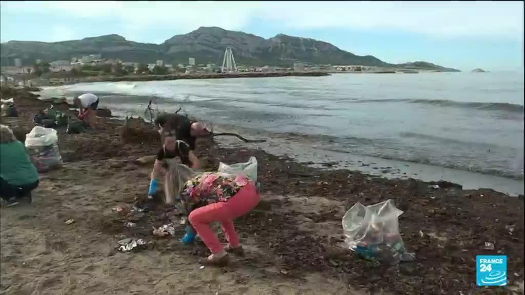 2021-10-05 14:12 Intempéries à Marseille : des tonnes de déchets déversés dans la mer