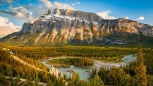 Image d'illustration. Le Mont Rundle, dans l'Alberta.
