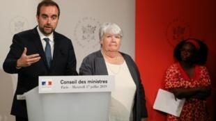 Sébastien Lecornu, Jacqueline Gourault et Sibeth Ndiaye lors du compte-rendu du Conseil des ministres, le 17 juillet 2019