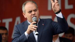 Le ministre turc de la Jeunesse et des Sports, Akif Cagatay Kilic, lors d'un rassemblement en soutien au gouvernement turc à Cologne