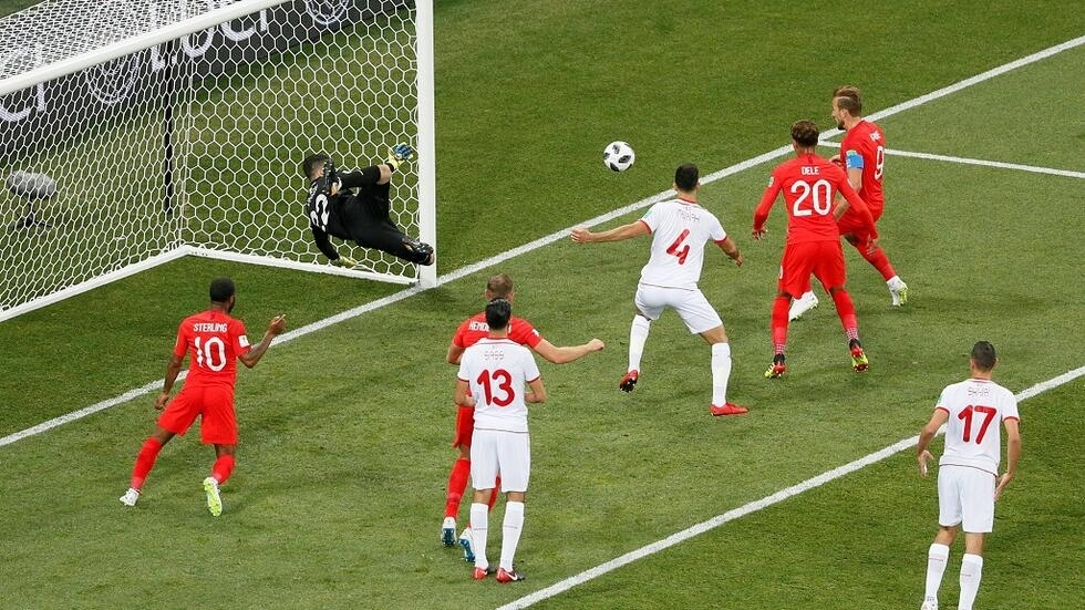 El delantero de Inglaterra, Harry Kane, anotó su primer gol en un mundial.