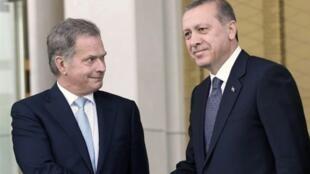 أردوغان يستقبل نظيره الفنلندي بأنقرة في 13 تشرين الأول/أكتوبر 2015