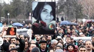 تظاهرة في أنقرة للتنديد بقتل الطالبة الجامعية أوزغيه جان أصلان 16 شباط/فبراير 2015